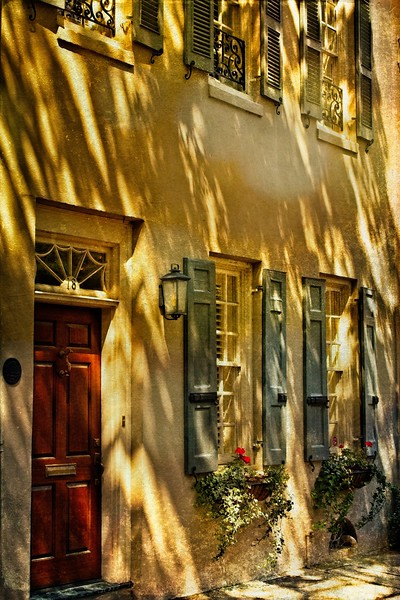 Detail of a townhouse in Charleston.<br /> Photo © Cindy Clark