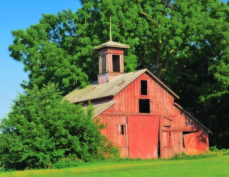 "Lake Nursery Barn Built in 1870 - Shenandoah, Iowa<br />  <a href=""http://www.omaha.com/article/20100928/NEWS02/709259946/1003563"">http://www.omaha.com/article/20100928/NEWS02/709259946/1003563</a>"