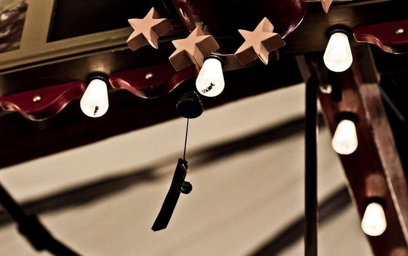 Carousel of Happiness, light bulbs.