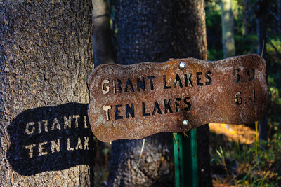 Grant Lakes Trail Sign