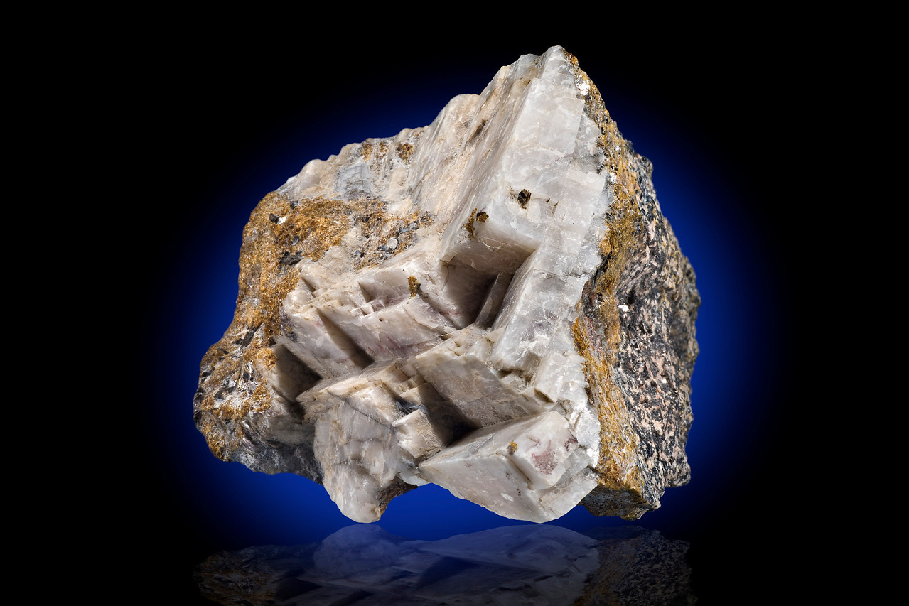 Calcite & Willemite in White Light, Buckwheat Dump, Franklin, NJ