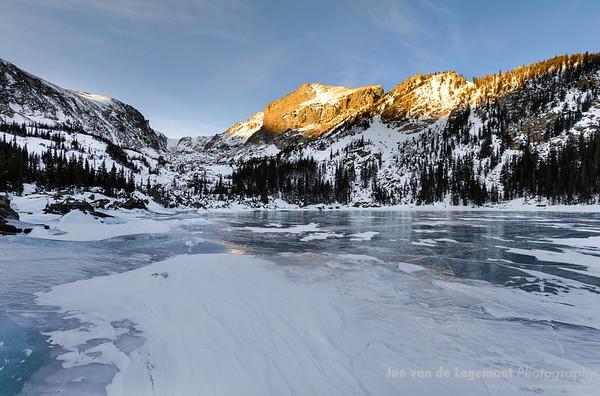 Winter sunrise at Lake Haiyaha