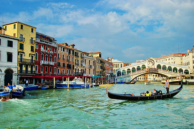 Venice_gondola_Bridge_background-