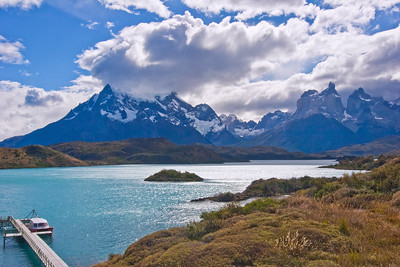 TDP 044  Torres del Paine Cuernos, towers