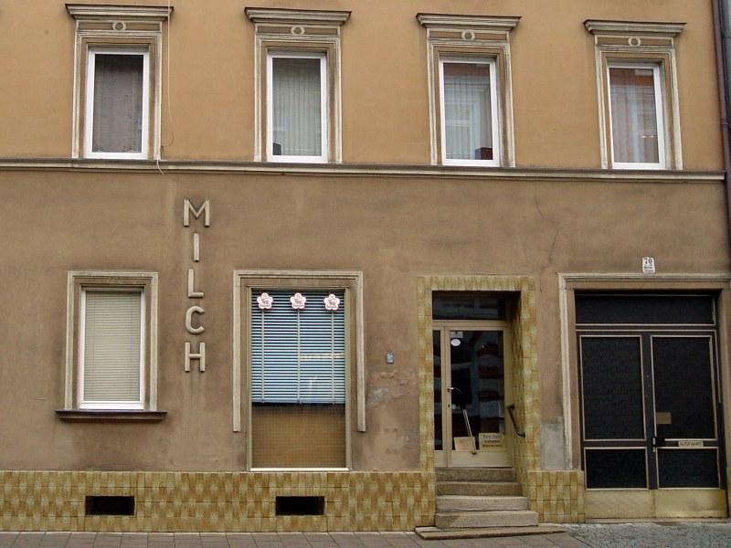 2005-09-12_06288 alte Milchwerbung an old milk advertisement