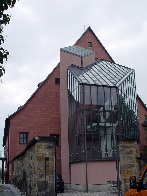 2005-09-13_06322 das modernisierte Stadtschloß von Lichtenfels - nach einem Schloß sieht das für mich allerdings nicht mehr aus the modernized Stadtschloß (city castle) of Lichtenfels - it doesn't look very much like a castle anymore