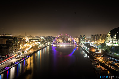 The Millenium Gateshead Bridge at night