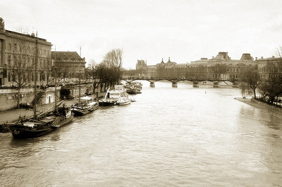 Though I snapped this shot of the Seine closer the end of the trip, I felt a sepia-toned version made a nice cover for the following photo album (the original color version appears in sequence towards the end of the album)