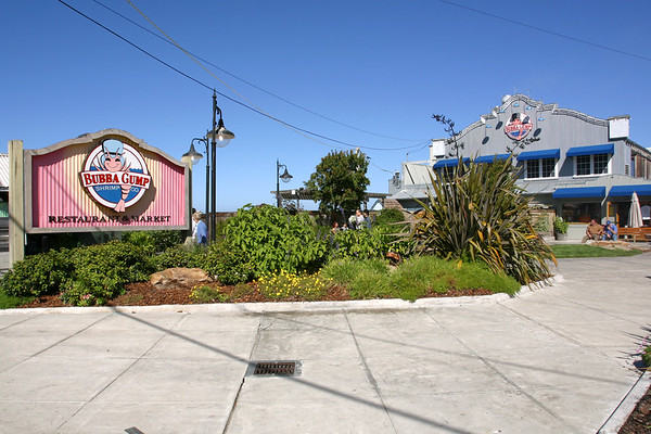 Though we enjoyed the Bubba Gump on Maui and are looking forward to one opening in Santa Monica, we pass on this one (after all, we just ate!)