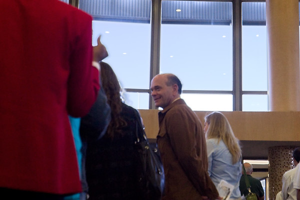 Robert Picardo, Star Trek Voyager's Emergency Medical Hologram, appears to be bound for Seattle. This photo is slightly out of focus because I wasn't looking through the lens as I shot it, but how could I not inlcude it?