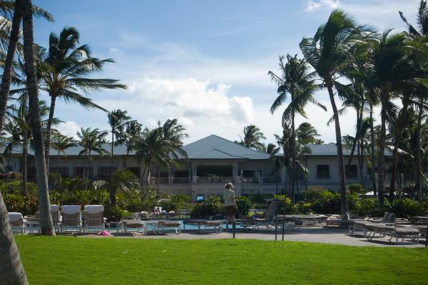 The style of architecture seems similar to The Ritz-Carlton, Kapalua