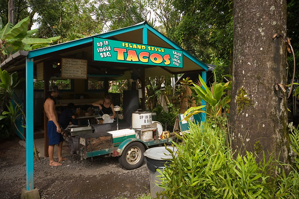 DAY 3 - Since Valerie did not get to go with me to Hana yesterday, I am driving her there today.  Along the way, we stop at a taco stand my relay team recommended.  The kalua pig tacos are really good!