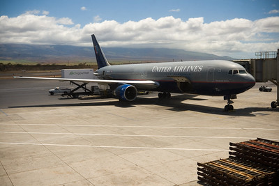 Shortly after Valerie and I return to OGG (Kahului Airport), our flight arrives at the gate