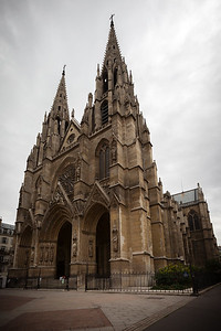 After a short detour to get a closer shot of the church, we resume our walk along Rue Saint-Dominique