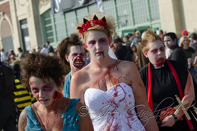 20131005-116-Zombie_Walk_Mike-242
