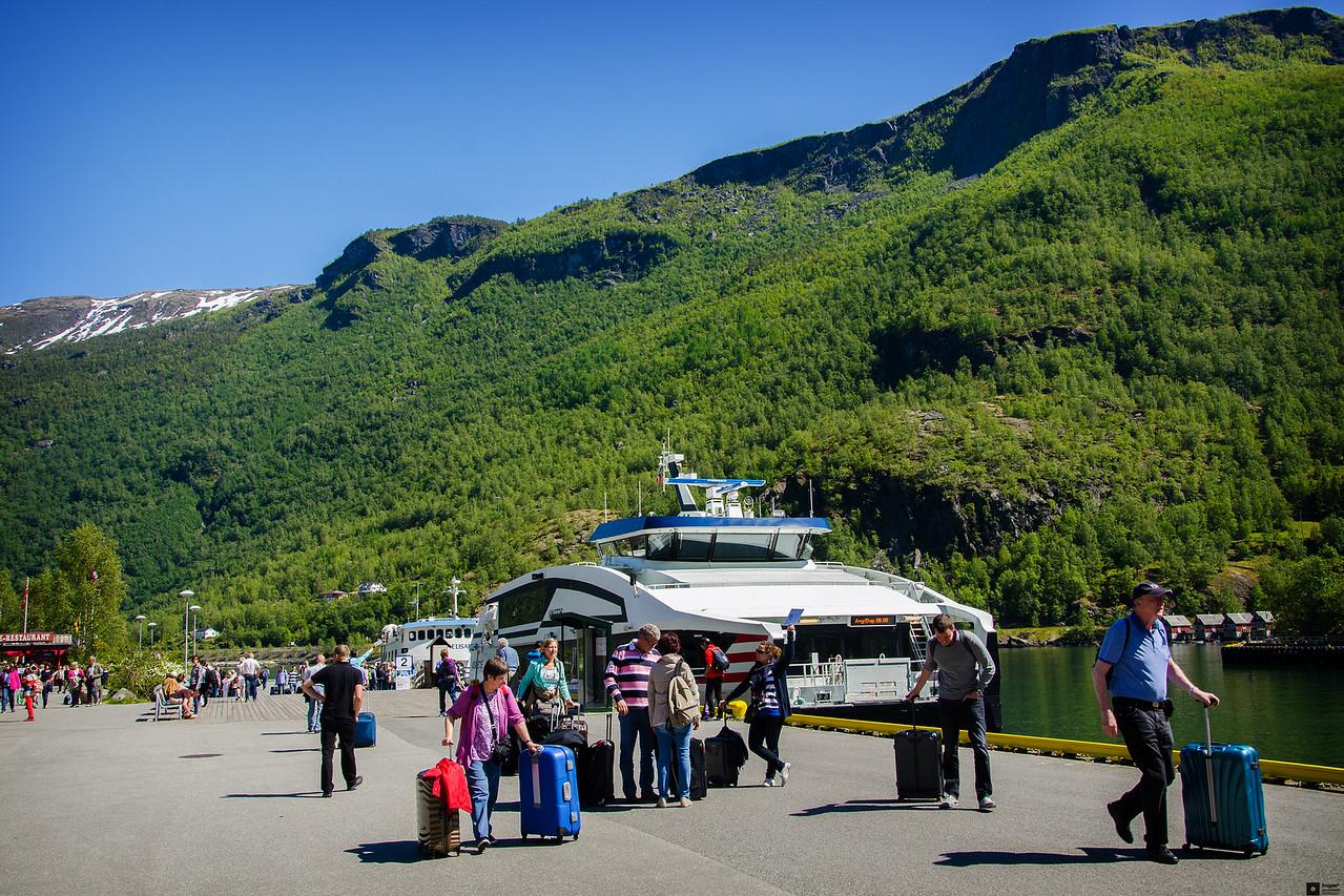 The ferry to Bergen / Hurtigbåten til Bergen