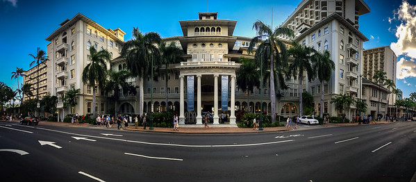 It has been 12 years since Valerie and I have been on Oahu for anything other than a layover. This is only our second stay on the island and first time checking into the historically significnat Moana Surfrider (it was the first hotel to open in Waikiki...in 1901).