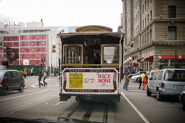 Yes, we are stuck at a light behind a cable car on Powell Street right around the corner from Union Square (Photo by Valerie Iwasaki)