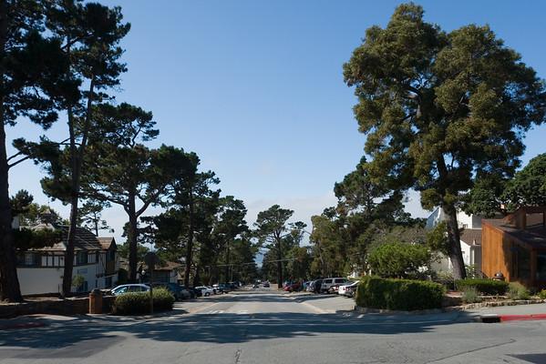 Looking west down Ocean Avenue at Monte Verde Street
