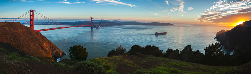 Golden Gate Sunset Panorama (Hugin-stitched)