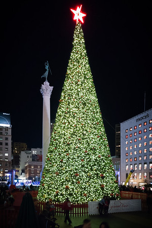 This is my first time seeing Union Square decorated for Christmas...