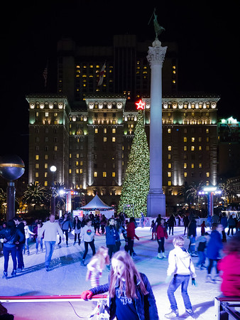 Of course there is ice skating in Union Square...though I am a bit surprised that San Francisco has two outdoor skating rinks located so close to one another (the other being near Embarcadero Center)