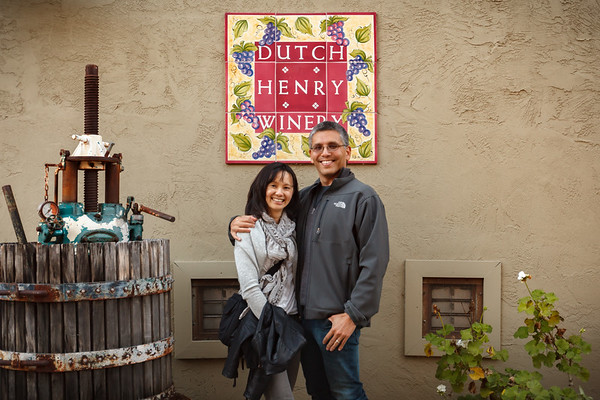 We have stopped at Dutch Henry Winery.  All of the visitors appear to be having a really good time.