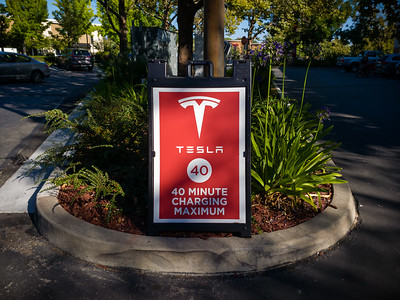 I guess this location must get pretty busy if they are enforcing a 40 minute maximum charge time here