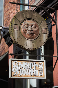 Smart Mouth C0ffee/ Luna Cafe