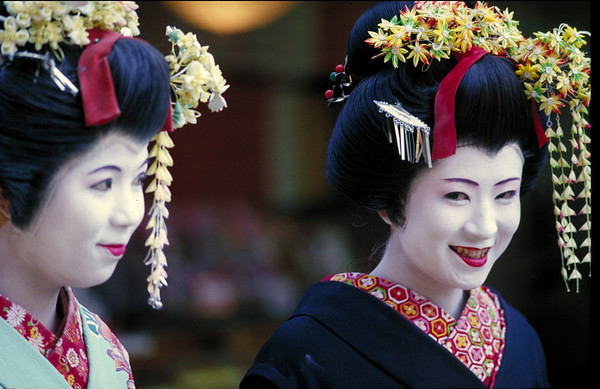 JAPAN<br /> Photographs by  photo instructor Cliff Grassmick of the Spring 1997 Semester at Sea  voyage around the world.