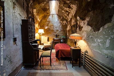 Al Capone's cell - the only cell that had furnishings.
