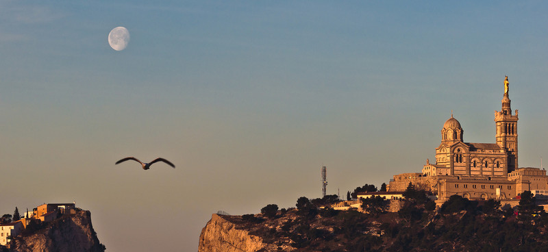 Marseille a la lune