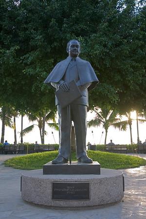 Several statues overlook Kalakaua Ave