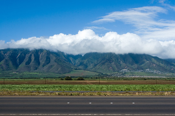 After stopping for lunch at Jawz Fish Tacos in Kihei, I drive the shortest and most direct route to Kahului, stopping only once to take a shot of the West Maui Mountains