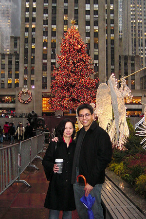Rcokefeller - Xmas tree - Val and Eric with coffee