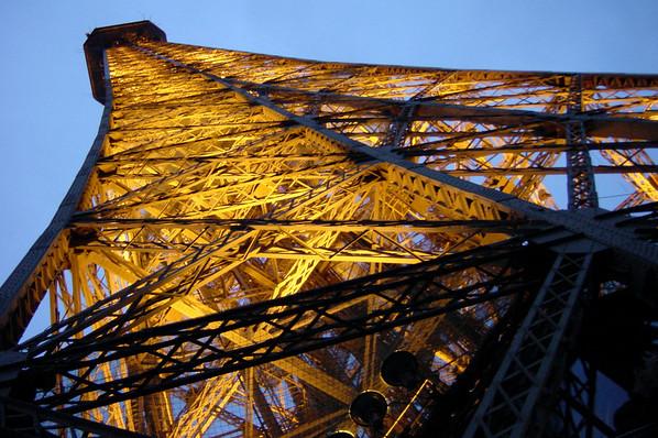 Eiffel Tower - underlit