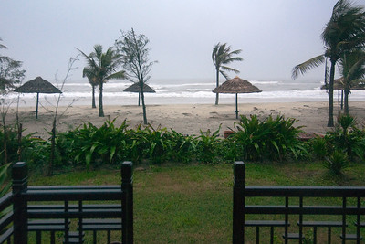 DAY 05 - With weather like this, our beach-front bungalow does not exactly feel like an upgrade