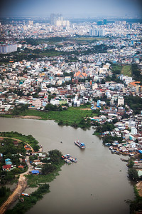 If Sông Sài Gòn is a tributary of the Đồng Nai, what is this tributary of the Saigon River called?