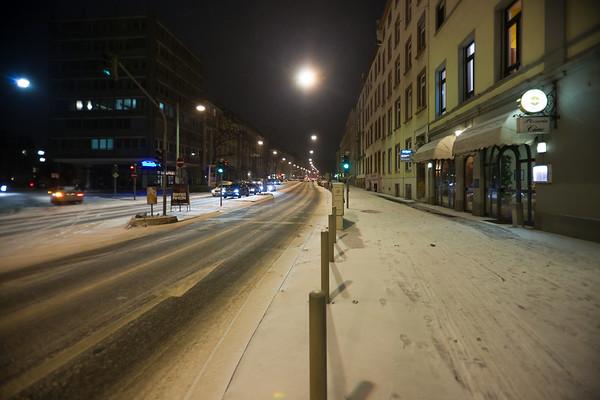 Snow covered sidewalks of Frankfurt