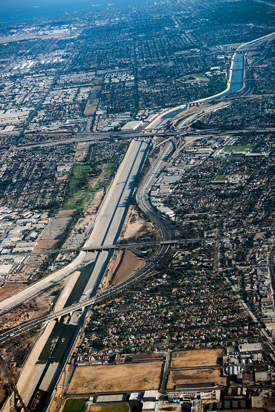 The 710 crosses over the majestic Los Angeles River just north of Imperial Highway (looking south)