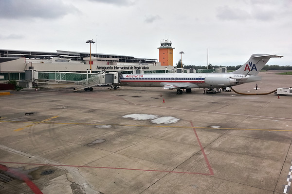 Killing time at Aeropuerto Internacional de Puerto Vallarta