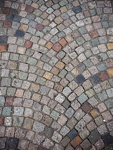 I'm trying my best to avoid running on cobblestones...though the ones near Sacre Coure aren't nearly as bad as those I've found elsewhere in the city