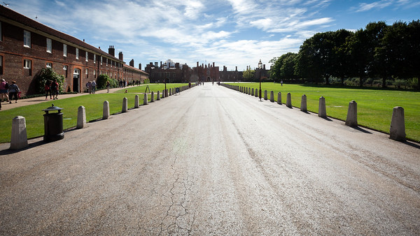 Horrible hour to approach Hampton Court Palace...the glare off the road is particularly bad