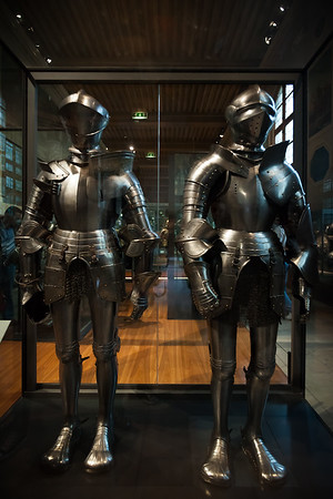Armor from other countries...check out those shoes!