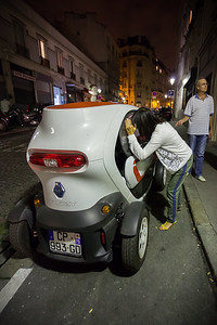 While walking the streets of Montmartre, we pass by a Renault Twizy.  And I thought Smart ForTwo was small!