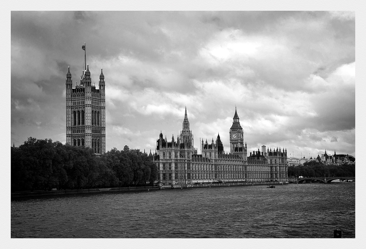 Victoria Tower, Palace of Westminster, Elizabeth Tower, and Westminster Bridge.