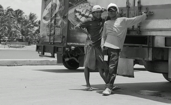 Dockworkers, Roxas