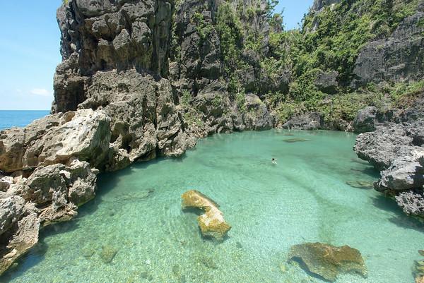 Islas Gigantes lagooning
