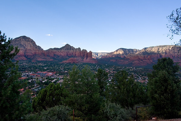 "Upon Steve ""Ca AGNSX"" Riter's recommendation, we head up to the Sedona Airport to check out the view.  Unfortunately, the sun is illuminating the wrong side of the valley at this hour...so we'll have to come back in the morning"