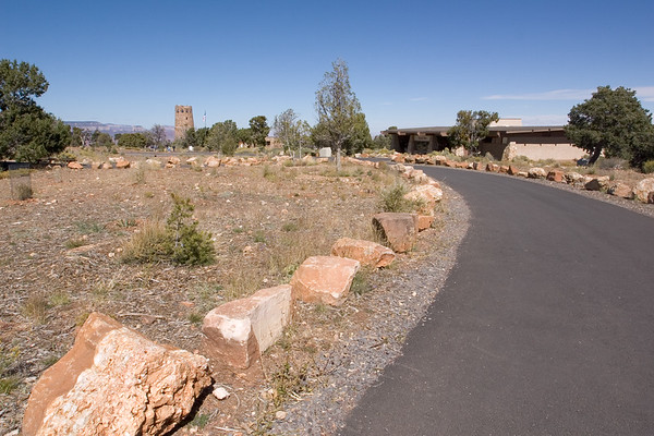 A short time after entering Grand Canyon National Park, our tour bus park near the Desert View Tower and we proceed on foot